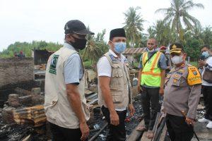 Kapolres Batu Bara Sambangi Warga Desa Kwala Indah Terkena Musibah Kebakaran Juga Berikan Bantuan Sosial