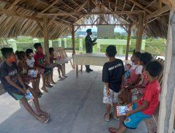 Personel Satgas Pamtas Sektor Timur Berikan Pelajaran di Lopo-Lopo